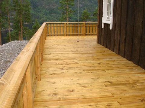 Zabezpieczanie i konserwacja - tarasy drewniane.
