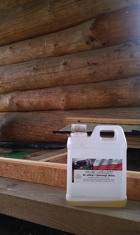 Olej lniany - zabezpieczanie domu z bali.